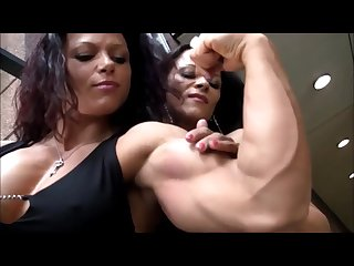 Muscle fbb oana hreapca poses with her sister