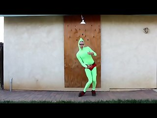 Idubbbz reese s puffs dance green Alien