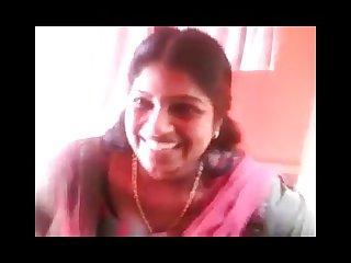 Indian kerela Aunty showing boobs