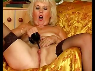 Amateur milf cougar heel insertion 4 loversheels pornub