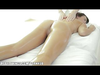 Hd love dillion harper gets a sensual massage