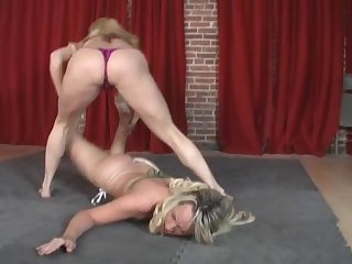 Mandy killer curves wrestling