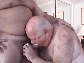 More mature aussie daddybear
