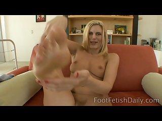 Dh feet