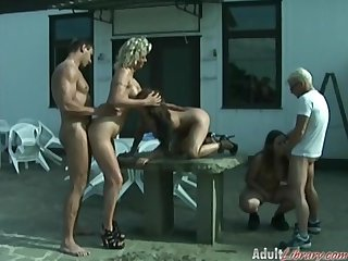Outdoor swinger pissing