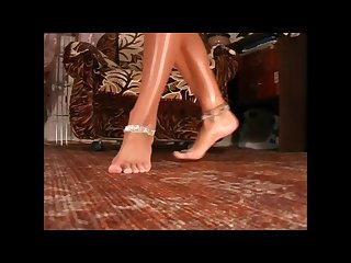 Desi peeping tom has a fetish for feet and anklets naked bhabhi bathing