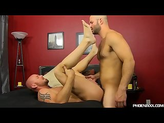 Muscular mitch vaughn pumped up by horny david chase
