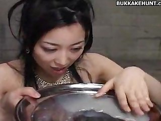 Asian cum eating bukkake