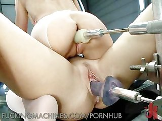 Amazing pussy squirting lesbians
