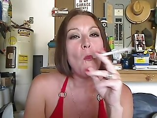 Sexy Misty dawn smokes another vs120
