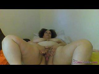 Thick redbone girl juicy Maria masturbates pussy