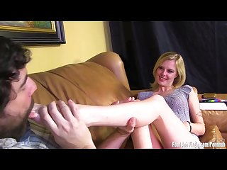 Pretty blonde mya gets her feet and toes sucked