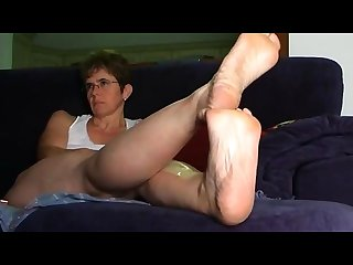 Mature white woman sweaty wrinkled soles