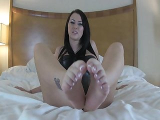 Alexis foot Joi