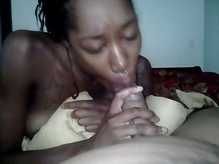 Niecy loves giving head