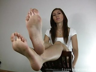 Long toes 1
