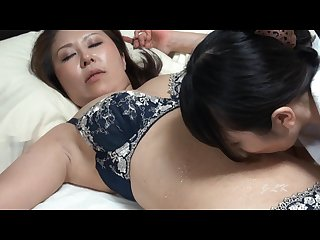 Yuma worships mari s Belly button Hd