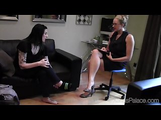 Michelle and gretta S foot fetish therapy session