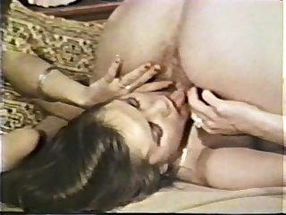 Lesbian peepshow loops 585 70s and 80s scene 2