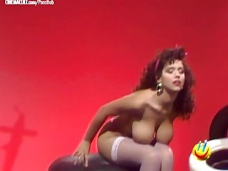 Colpo grosso striptease compilation Nikki foley and co