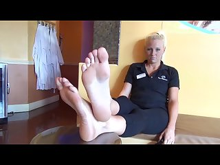 Size 10 blonde feet