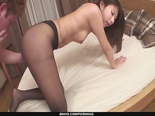 Mai asahina pounded through a hole in her pantyhose