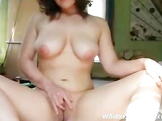 Milf wife makes a video for hubby