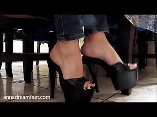 Majo s feet under the table annadreamfeet