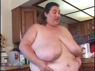 Obeses woman suck a long and hard cock