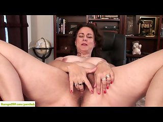 Hairy wife Gianna jones masturbates on desk