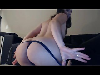 Sexy white girl wearing a beanie vibes her pussy to a creamy orgasm
