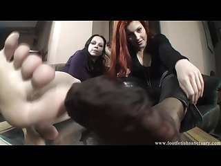 Goddess victoria and her friend tease you with their feet