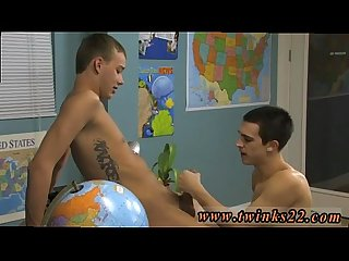 Free xxx cartoon 3gp gay sex videos The youngster sitting behind the