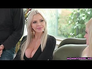 MILF stepmom shows how pussy can explode with a toy
