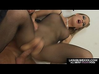 Threesome of dream anal sex with blonde and brunette