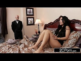 Sneaky Butler Makes His Master's Japanese Wife Asa Akira Squirt