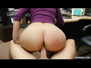Latina babe tries to sell her bf s lizard Xxx pawn