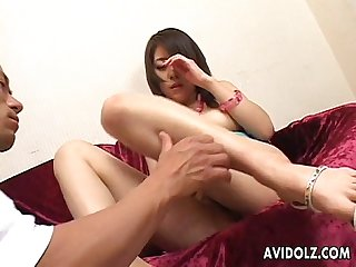 Asian cuttie toy fucking her soaking wet pussy pie