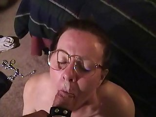 Mature amateur loves sucking cocks