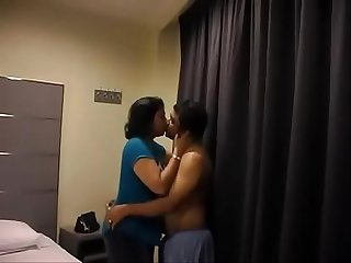 Indian big ass women sucking dick of her lover in hotel room like chocolate