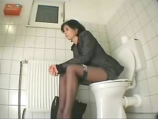 My Cousin visiting us masturbates in toilet period hidden cam