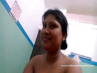 Beautiful Bangladeshi Bhabhi nude indianhiddencams com