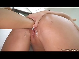 Hot european fisting lesbians Lexi Dona and Daisy Lee