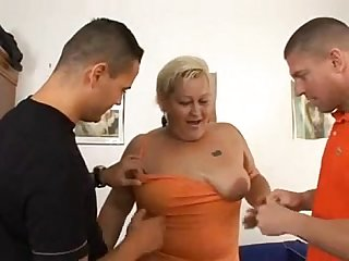 Big Zsuzsa in threesome