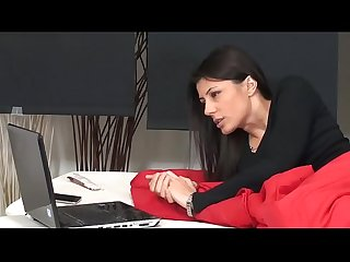 Sofia cucci squirting school 60