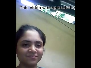 Desi girl showing boobs