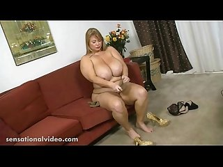 Bbw pornstar samantha 38g sucks huge lolly cock