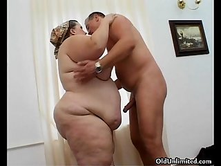 Fat old mature housewife gets her tight