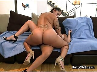 Lesbians spicy j and diamond kitty with dildoes for fun