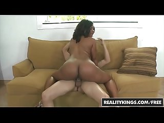 Realitykings round and brown lpar cris commando comma dee rida rpar Ass cooking